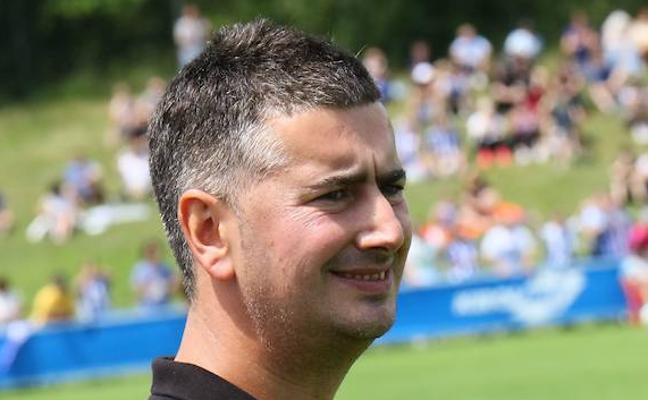 El Alavés destituye a Aitor Orueta, técnico del filial