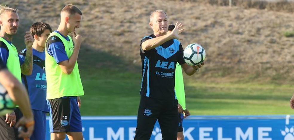 El Alavés necesita hacer un partido «tácticamente perfecto» ante la Real, apunta De Biasi