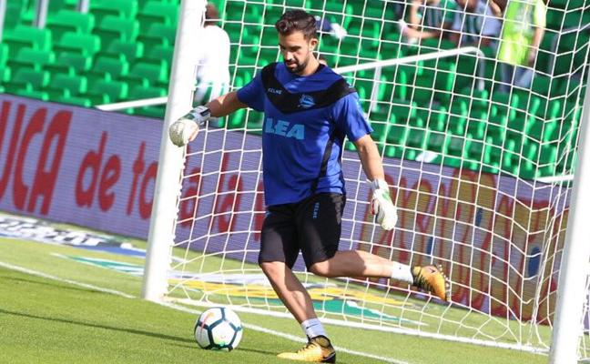 El Alavés vuelve a los tres centrales ante el Betis