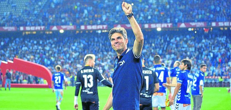 Pellegrino insinúa que su negativa a renovar llevó al Alavés a dejarle sin prima por la Copa