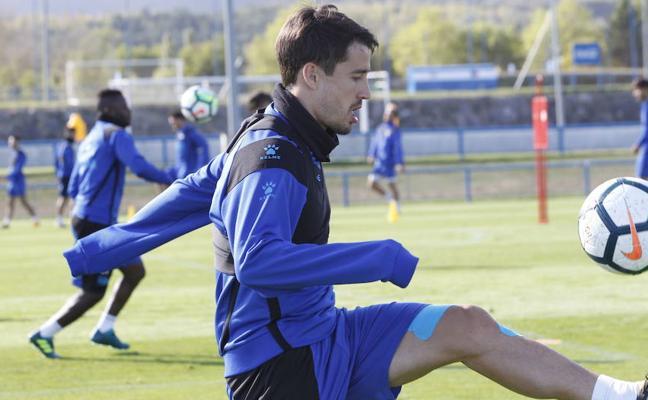 El Alavés se pone «al día» con Bojan, Santos y Katai