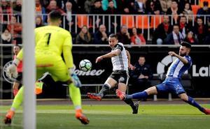 Pacheco, evita la goleada pese a encajar tres goles