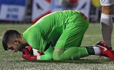 Sivera, lesionado en su debut en Liga ante el Atlético