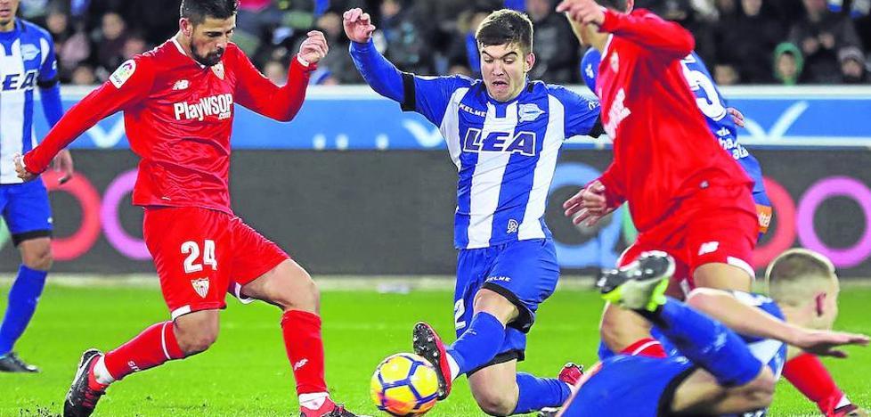El Alavés se plantea ampliar el contrato del canterano Martín