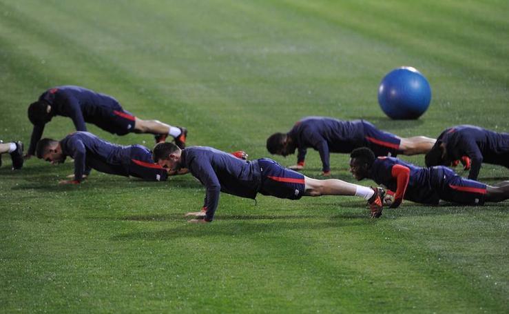 El Athletic se entrena en Lezama