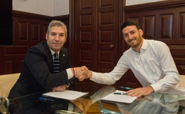 Aduriz renueva por el Athletic hasta 2019: «No ha habido ni que sentarse»