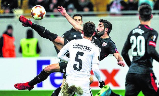 El Athletic sobrevive en Europa