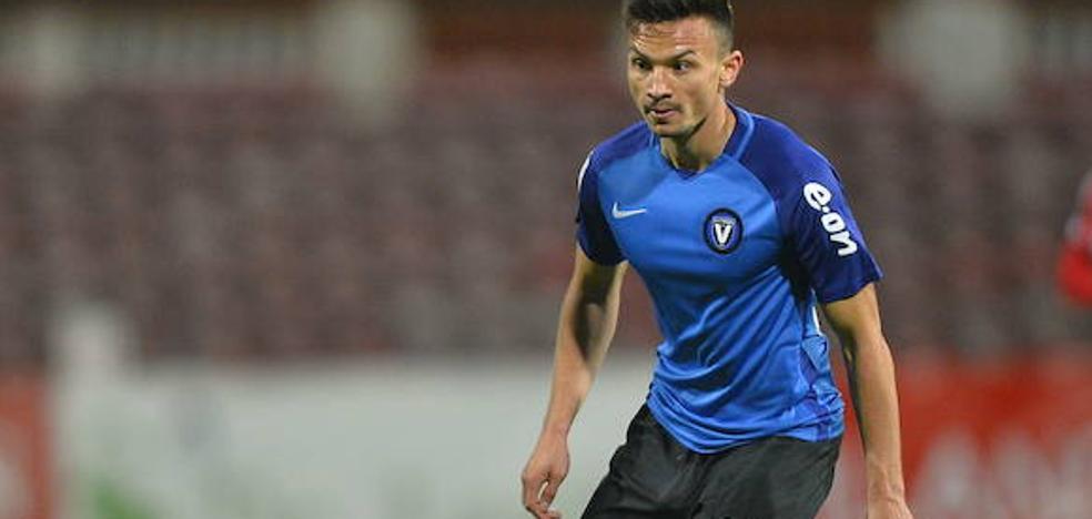Ganea llega a Basauri a la espera de firmar su contrato con el Athletic