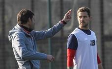 Iñigo Martínez, Kepa y Andoni López, convocados contra el Girona