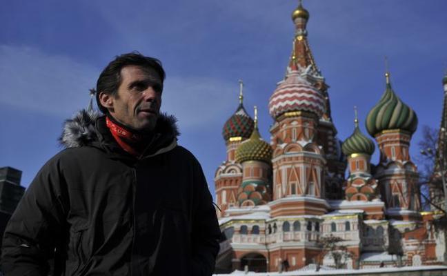 El Athletic pasea a 10 bajo cero por la Plaza Roja de Moscú