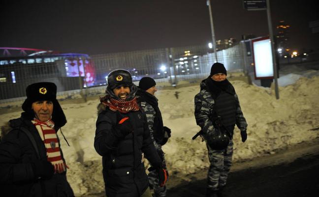 Espectacular despliegue de seguridad para el Spartak-Athletic