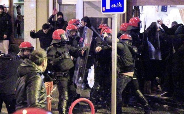 Aburto: «Todo mi desprecio a quienes utilizan la violencia y no respetan nada. ¡Sobráis en Bilbao!»