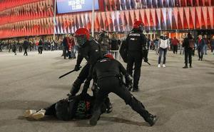 La Ertzaintza vallará la explanada de San Mamés para separar a las aficiones del Athletic y el Olympique