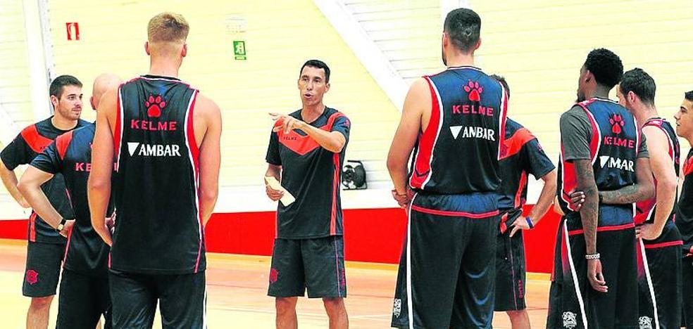 El Baskonia se centra en fichar un ala-pívot y otro técnico asistente