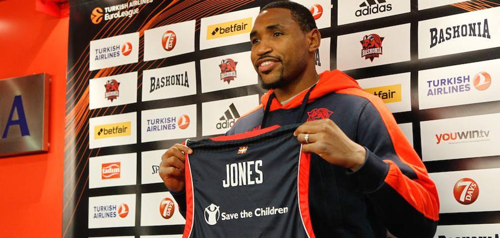 Jones: «Espero contribuir en los éxitos del futuro de Baskonia»