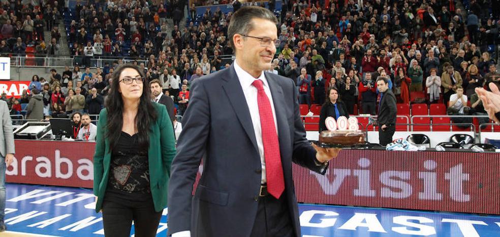 Pedro Martínez dirige su partido 800 de Liga ante el Bilbao Basket