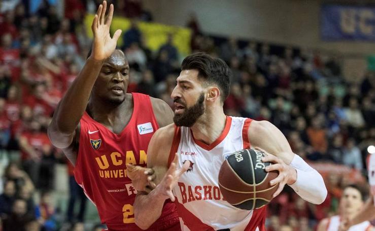 Las mejores fotografías del UCAM Murcia - Baskonia