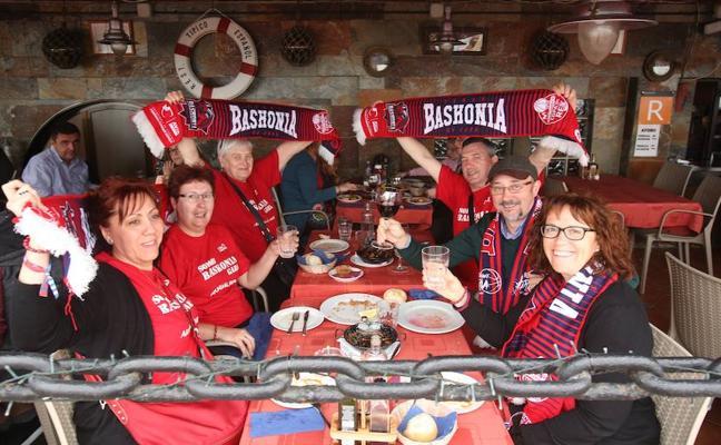 La afición baskonista toma posiciones en la Copa