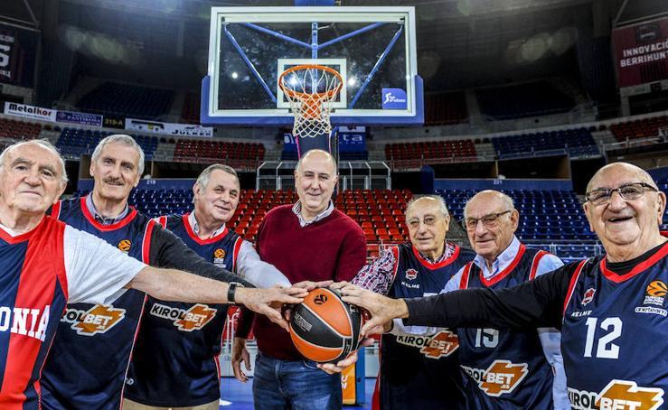 Senadores del Baskonia. El genial encuentro de veteranos del equipo azulgrana
