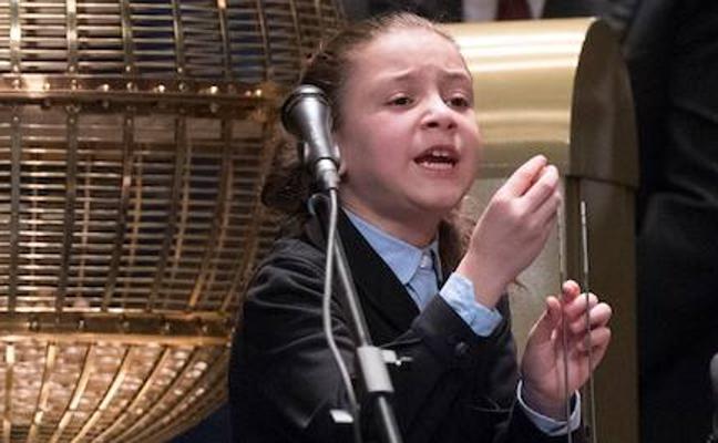 Aya, la niña de los «miiiiiiiiiiiiiiil euros»
