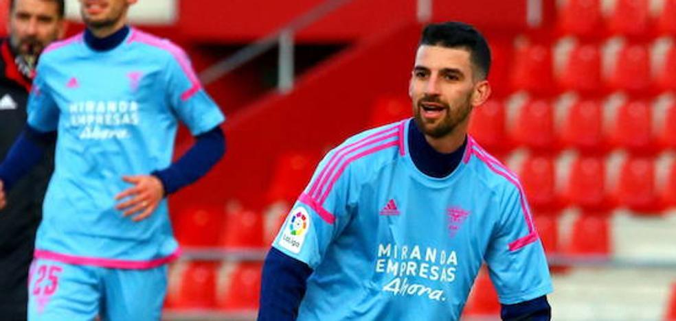 Peláez suma la tercera semana de baja por molestias musculares