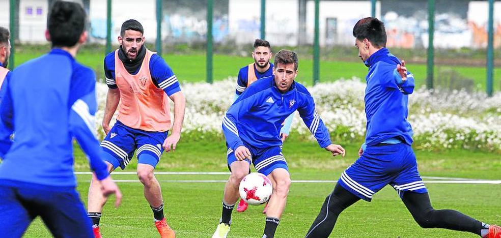 Alfaro cuenta con 20 jugadores para recuperar el domingo la segunda plaza