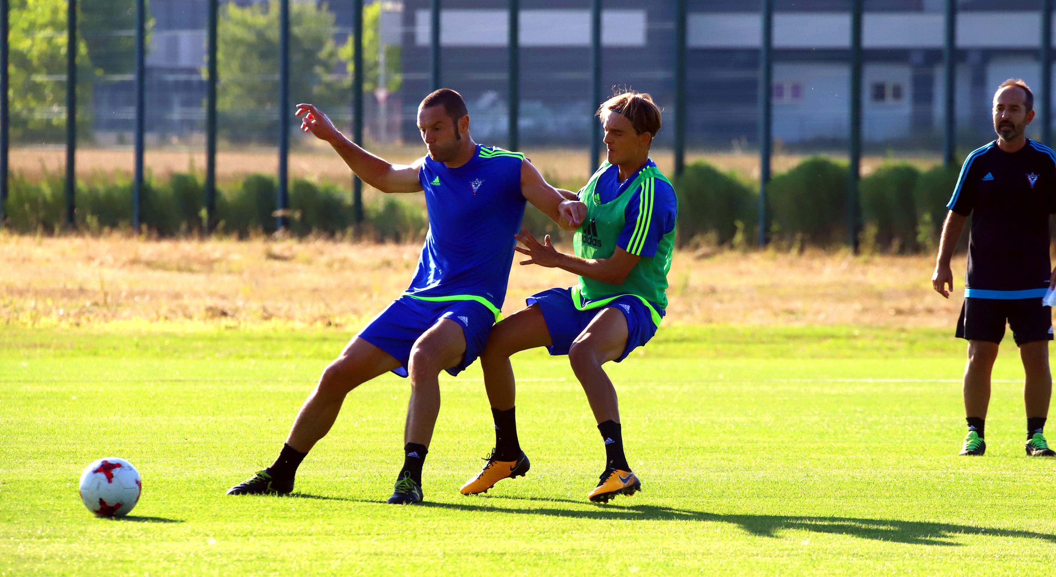 Sergio González deja buenas sensaciones en los primeros entrenamientos. /Avelino Gómez