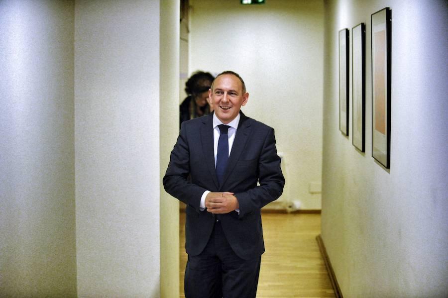 Álava «valora» la vía abierta para diferenciar el Rioja pero «llega tarde», dice González