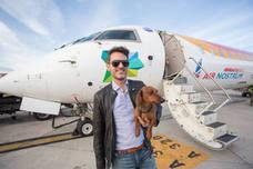 'Eros', el perro viajero contra el abandono animal