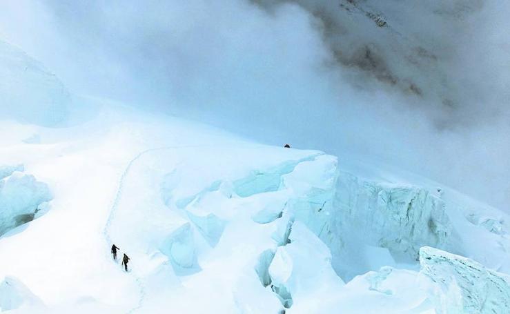 La nieve frena a Iñurrategi en los GI y GII