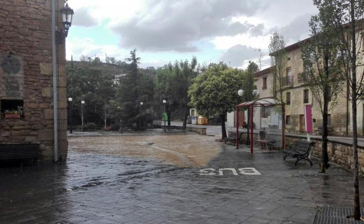 Las fuertes lluvias anegan Moreda