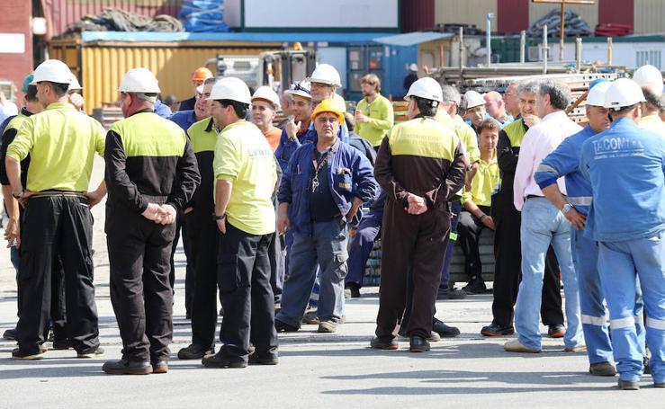 Concentración de los trabajadores de La Naval