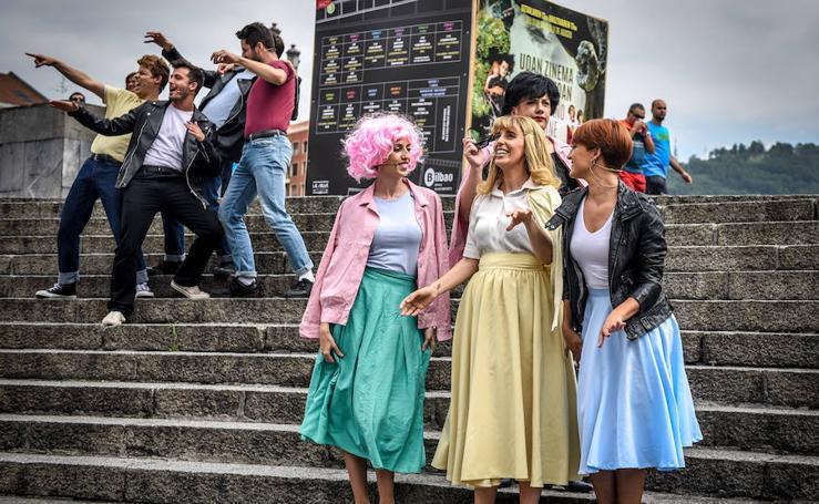 Danny y Sandy presentan el cine al aire libre en Bilbao