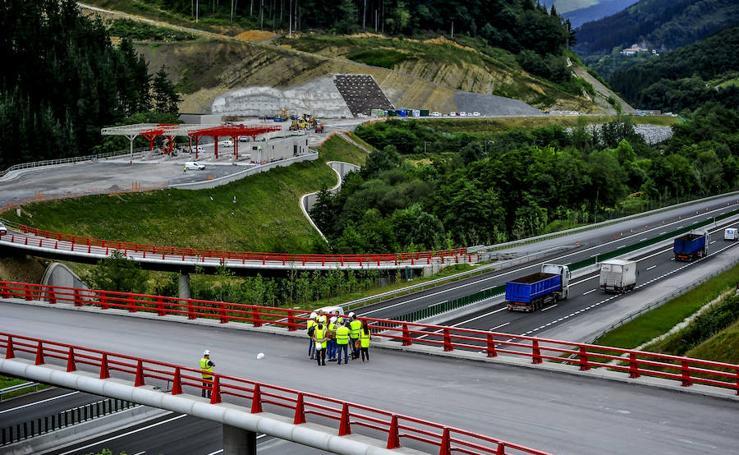 Siguen las obras en la Variante de Ermua del túnel de Uretamendi