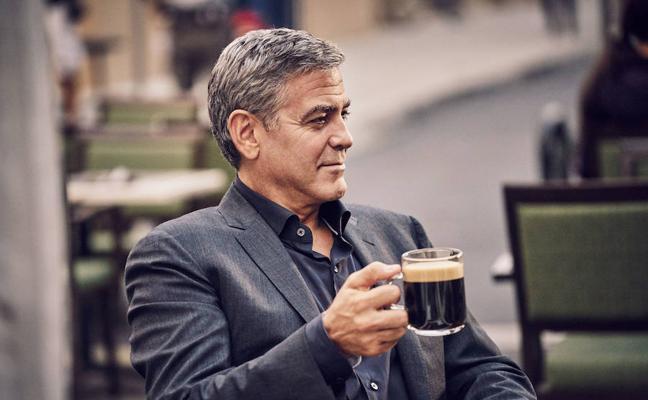 ¿Cuántos cafés toma clooney al día?