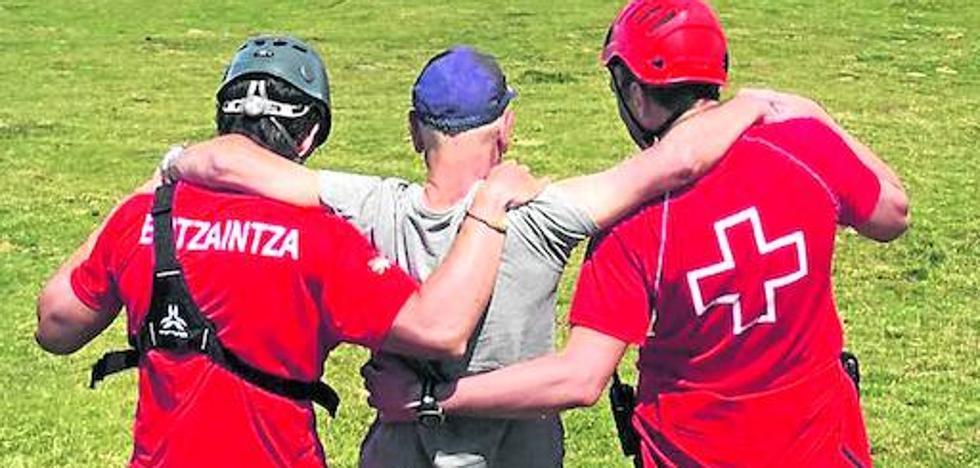 El grupo de montaña de la Cruz Roja de Bizkaia rescató el año pasado a 44 personas