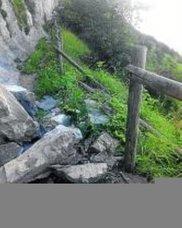 Cierran el camino a Txalope por derrumbes