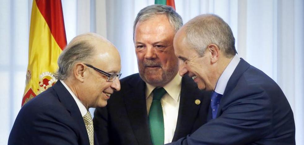 Euskadi firma cinco años de «paz financiera» con el Gobierno central