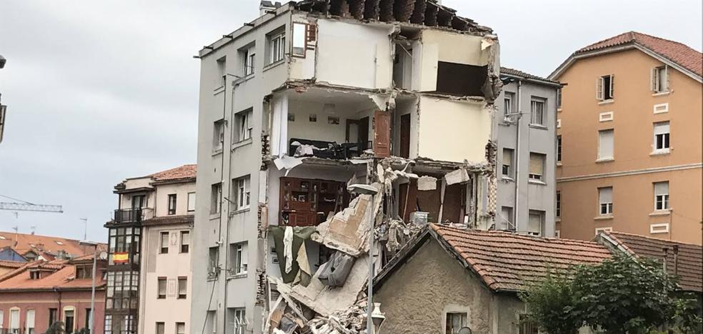 Se derrumba un edificio en Santander poco después de ser desalojado