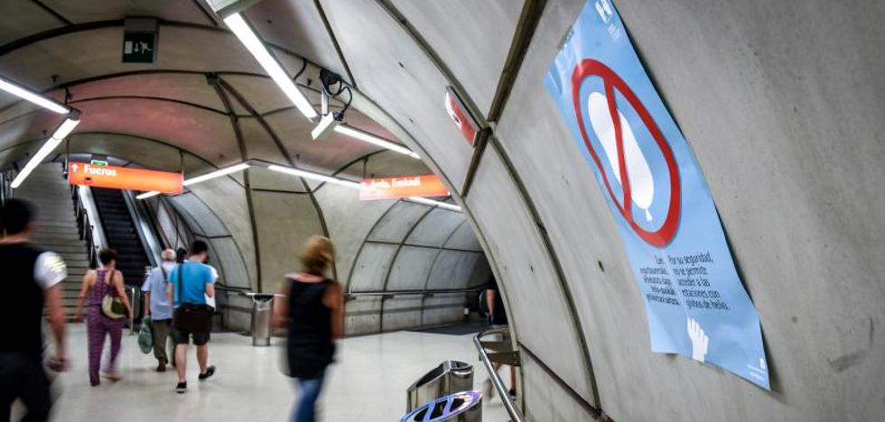 El metro declara la guerra a los globos de hidrógeno de los niños