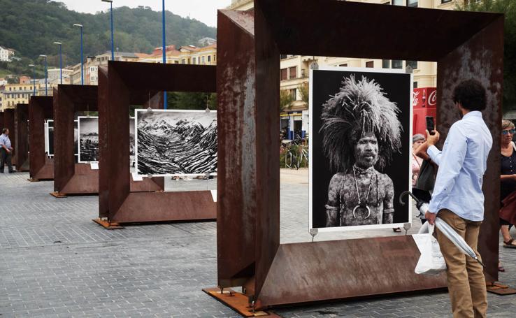 La obra de Sebastiao Salgado luce ya en La Zurriola