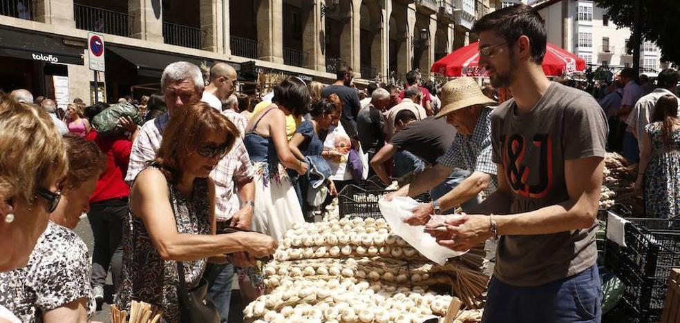 80 productores estarán presentes en el mercado de ajos del Día del Blusa