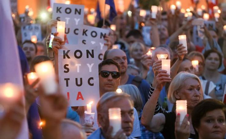 50.000 polacos se rebelan contra el Tribunal Supremo