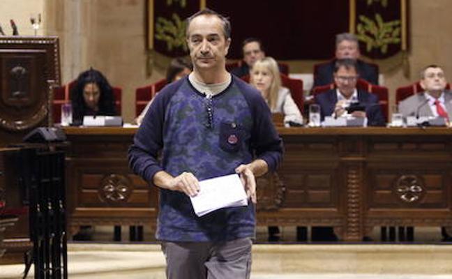 Dimite uno de los junteros de Podemos a mitad de legislatura