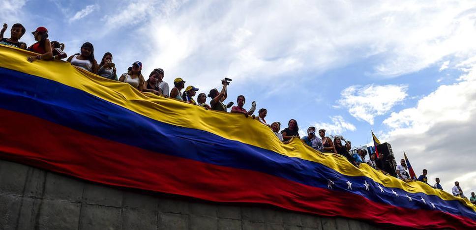 Cerca de 560.000 venezolanos piden la tarjeta fronteriza para entrar a Colombia