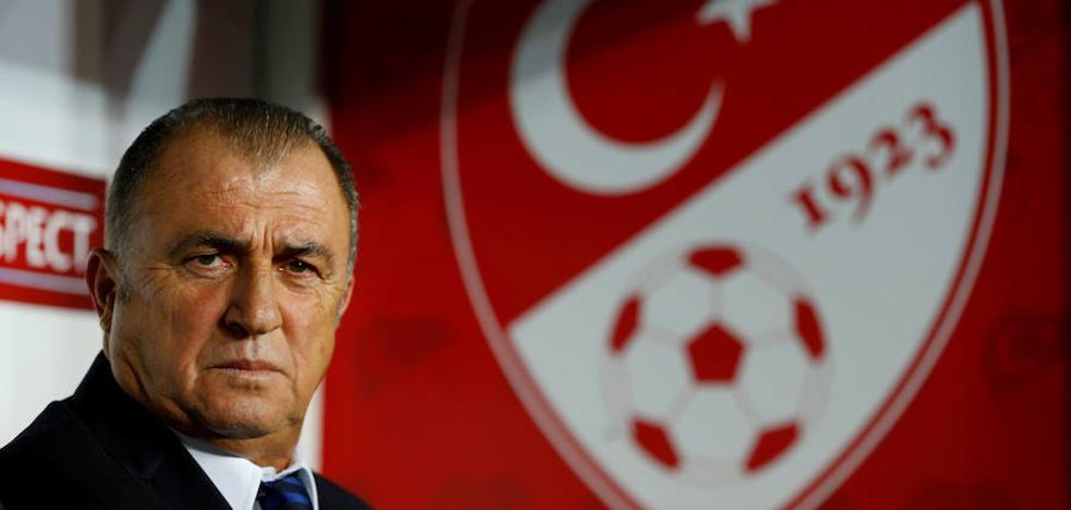Dimite el seleccionador turco tras protagonizar una pelea en un restaurante