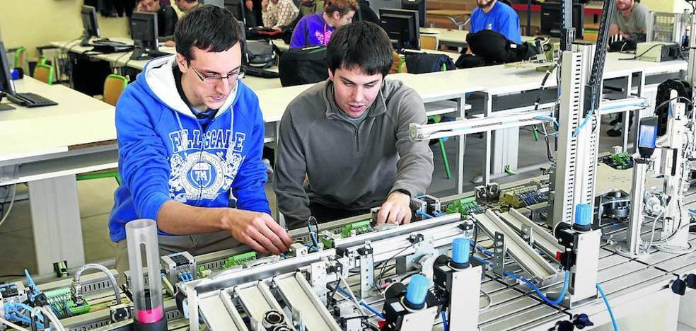 Educación quiere facilitar el paso de la FP a la Universidad