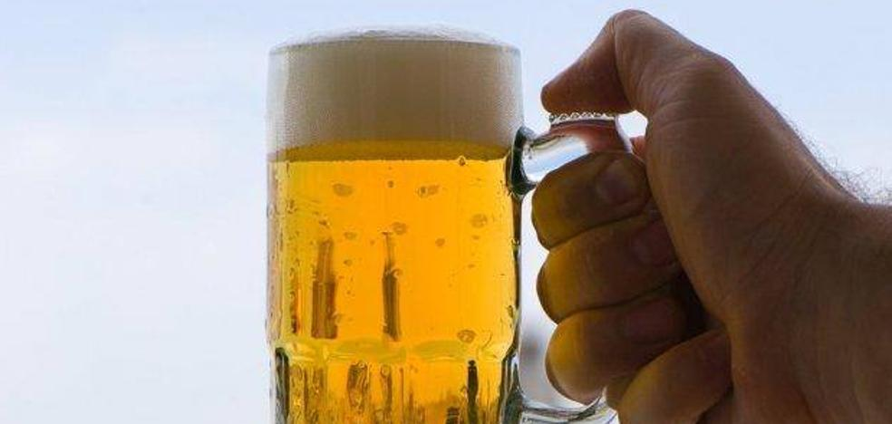 Conducir a 35 grados equivale a beber cinco cervezas