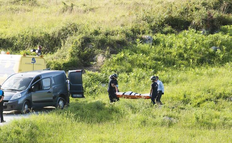 Rescate del vecino de Leioa fallecido en la playa de Buelna, en Llanes