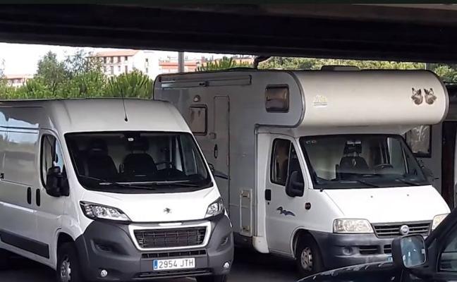 Multan al dueño de una caravana anunciada como alojamiento en San Sebastián